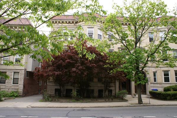 194 Saint Paul St #2, Brookline, MA 02446 (MLS #72159902) :: Goodrich Residential