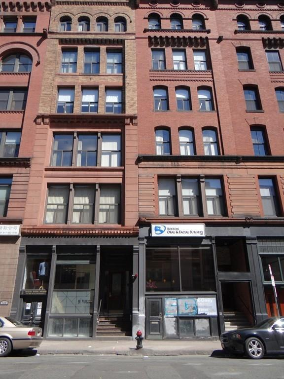 130B Lincoln St, Boston, MA 02111 (MLS #72170104) :: Goodrich Residential