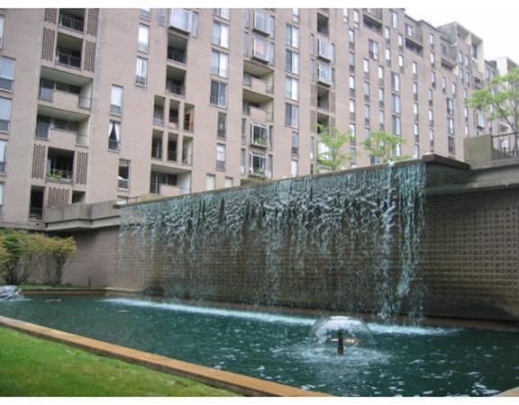 99 Pond Ave #402, Brookline, MA 02445 (MLS #72186664) :: Goodrich Residential