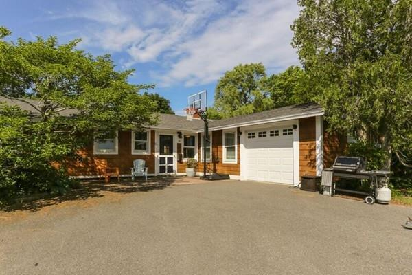 58 Amherst Rd, Beverly, MA 01915 (MLS #72186750) :: Exit Realty