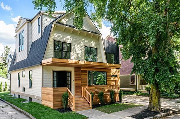 29 Thorndike Street, Brookline, MA 02446 (MLS #72187539) :: Vanguard Realty