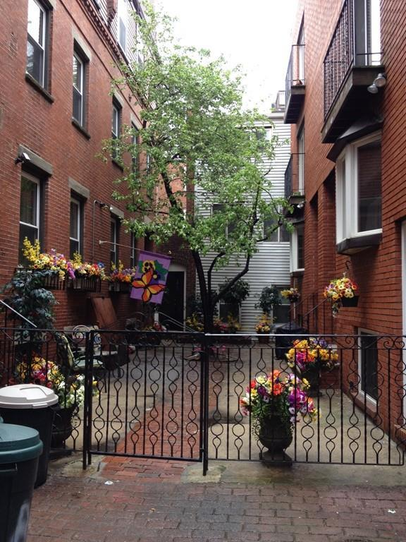 4 Webster Place #1, Boston, MA 02113 (MLS #72189341) :: Ascend Realty Group