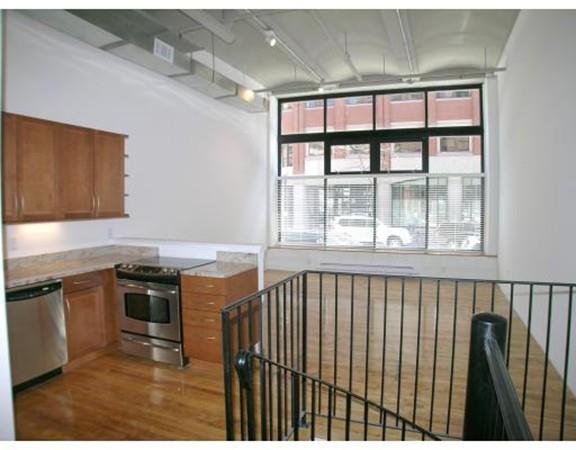 121-123 Beach St #102, Boston, MA 02111 (MLS #72200871) :: Goodrich Residential