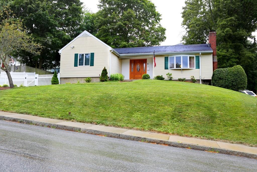 11 Leonard St, Woburn, MA 01801 (MLS #72203181) :: Kadilak Realty Group at RE/MAX Leading Edge