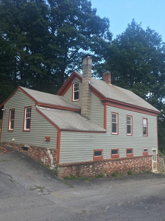 250 Woodlawn Street, Clinton, MA 01510 (MLS #72205251) :: The Home Negotiators