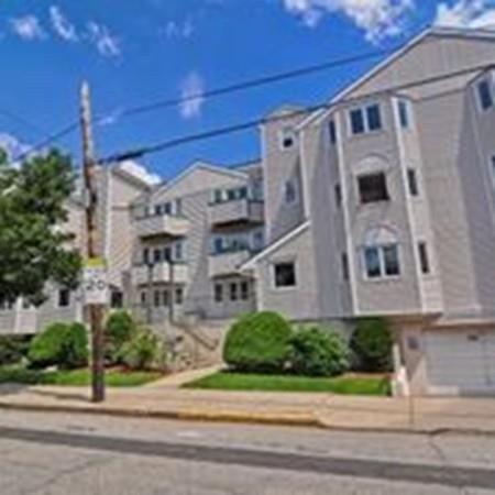 616 Boston Ave 2E, Medford, MA 02155 (MLS #72212193) :: Kadilak Realty Group at RE/MAX Leading Edge