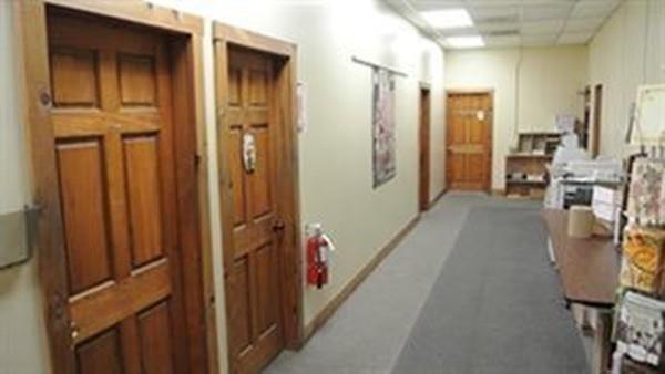 75 Green St, Clinton, MA 01510 (MLS #72213873) :: The Home Negotiators