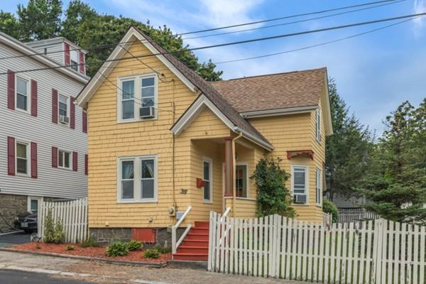 36 Lawrence St, Salem, MA 01970 (MLS #72216911) :: Exit Realty