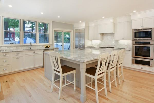 140 Thorndike Street #1, Brookline, MA 02446 (MLS #72224748) :: Vanguard Realty