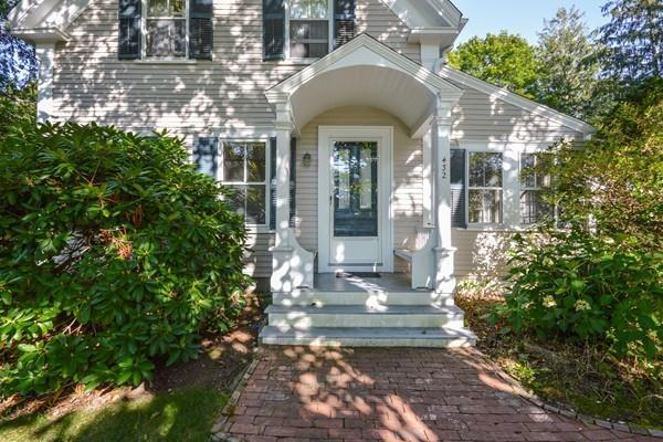 432 Davisville Rd, Falmouth, MA 02536 (MLS #72227542) :: Commonwealth Standard Realty Co.