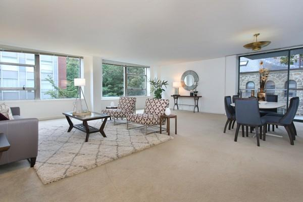 70 Park #24, Brookline, MA 02446 (MLS #72231565) :: Goodrich Residential