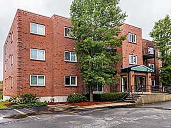 60 Broadlawn Park 1D, Boston, MA 02467 (MLS #72231729) :: Goodrich Residential