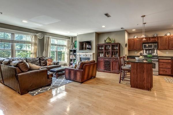 1306 Columbia Road 2B, Boston, MA 02127 (MLS #72240310) :: Charlesgate Realty Group