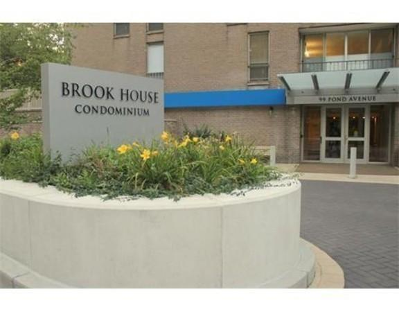 99 Pond Avenue #325, Brookline, MA 02445 (MLS #72242748) :: Ascend Realty Group