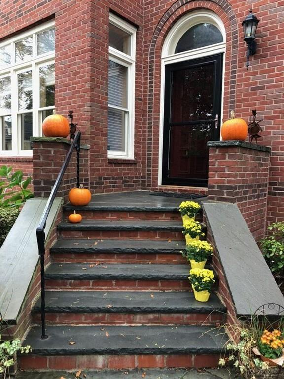 3 Erie Ave #3, Newton, MA 02461 (MLS #72243052) :: Ascend Realty Group