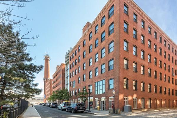 21 Wormwood Street #304, Boston, MA 02210 (MLS #72244947) :: Goodrich Residential