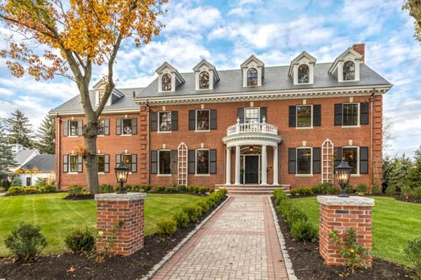 9 Grove Street, Winchester, MA 01890 (MLS #72254524) :: Kadilak Realty Group at RE/MAX Leading Edge