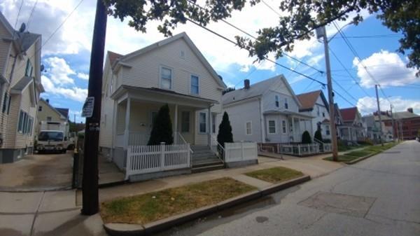 276 California Ave, Providence, RI 02905 (MLS #72255600) :: Carrington Real Estate Services