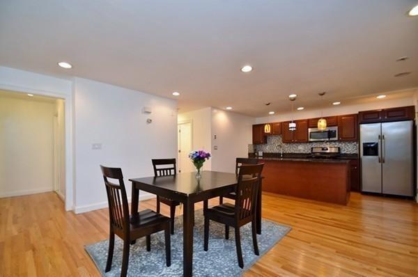 128 Kenrick St #2, Boston, MA 02135 (MLS #72256564) :: Charlesgate Realty Group