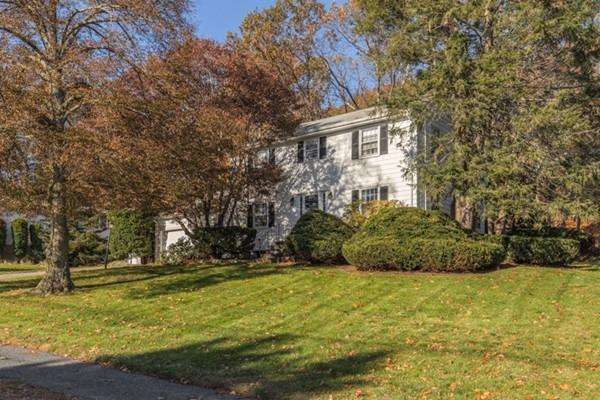 125 Johnson Rd, Winchester, MA 01890 (MLS #72256649) :: Kadilak Realty Group at RE/MAX Leading Edge