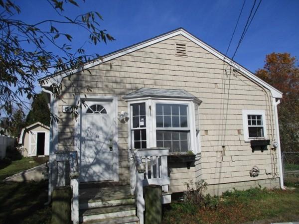 16 Grape St, Fairhaven, MA 02719 (MLS #72256860) :: Goodrich Residential
