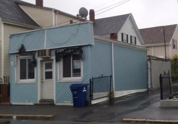 277 Dartmouth St, New Bedford, MA 02740 (MLS #72257780) :: Westcott Properties