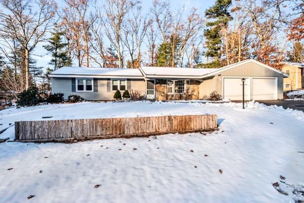 9 Prairie Road, Chelmsford, MA 01824 (MLS #72264462) :: Apple Real Estate Network - Apple Country Team of Keller Williams Realty