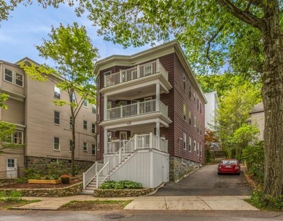 215 Crafts Road #1, Brookline, MA 02467 (MLS #72264494) :: Ascend Realty Group