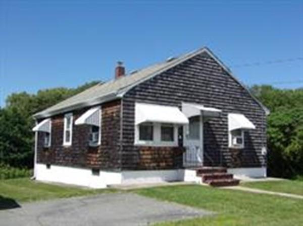 67 Lawson Ave, Acushnet, MA 02743 (MLS #72267890) :: Berkshire Hathaway HomeServices Mel Antonio Real Estate