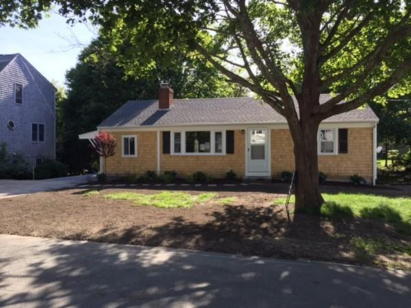 35 Antlers Shore Drive, Falmouth, MA 02536 (MLS #72271412) :: Driggin Realty Group