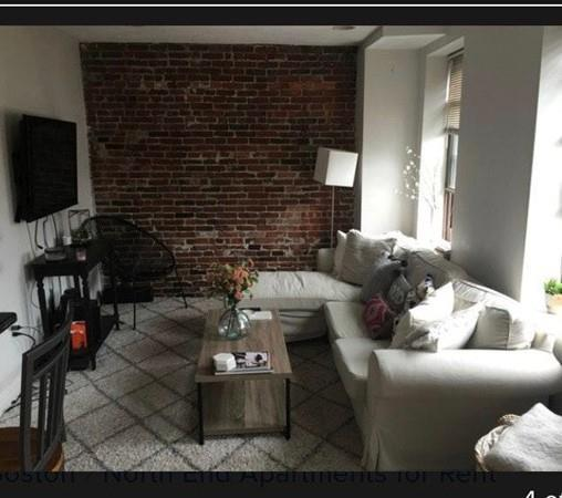 17 Thacher St, Boston, MA 02113 (MLS #72271640) :: Goodrich Residential