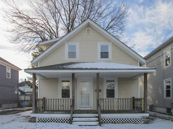 137 John St, Pawtucket, RI 02861 (MLS #72272479) :: Westcott Properties