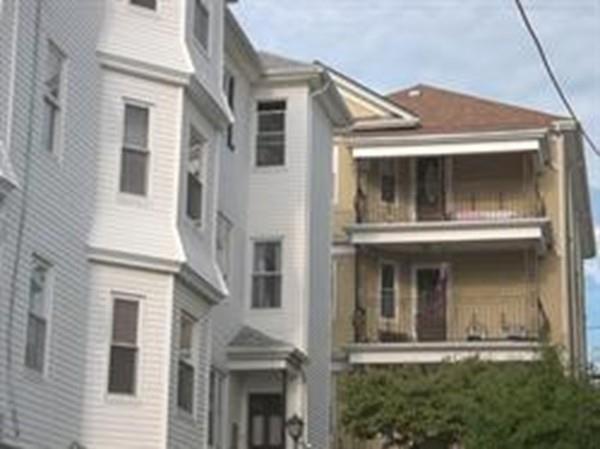 390 Ridge St #1, Fall River, MA 02724 (MLS #72272802) :: Westcott Properties