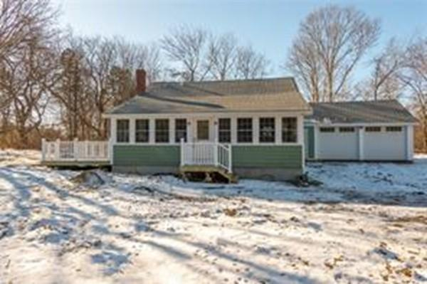 30 Barber Heights Ave, North Kingstown, RI 02854 (MLS #72272980) :: Goodrich Residential