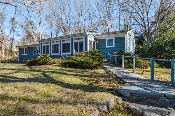 80 Fox Lane, Falmouth, MA 02540 (MLS #72277196) :: Commonwealth Standard Realty Co.