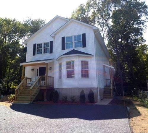 48 Clisby Ave, Dedham, MA 02026 (MLS #72282429) :: Goodrich Residential