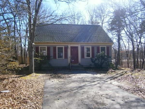 461 Bishops Terrace, Barnstable, MA 02601 (MLS #72283102) :: Goodrich Residential