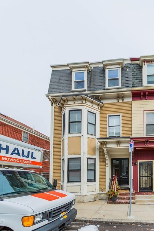 9 Vinton Street, Boston, MA 02127 (MLS #72283291) :: Driggin Realty Group
