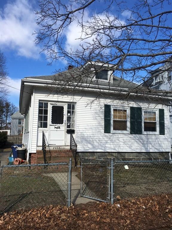 1923 Hyde Park Ave, Boston, MA 02136 (MLS #72283298) :: Lauren Holleran & Team