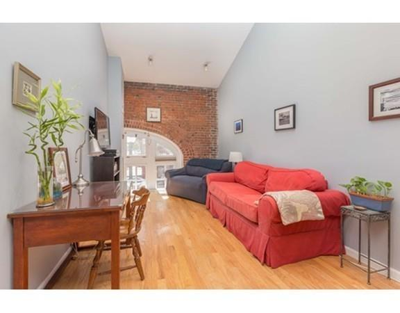 106 13Th St #204, Boston, MA 02129 (MLS #72283470) :: Goodrich Residential