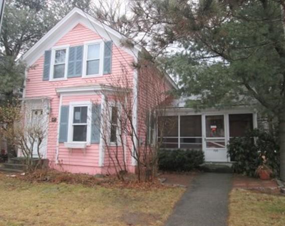 725 Main St, Bolton, MA 01740 (MLS #72284690) :: The Home Negotiators