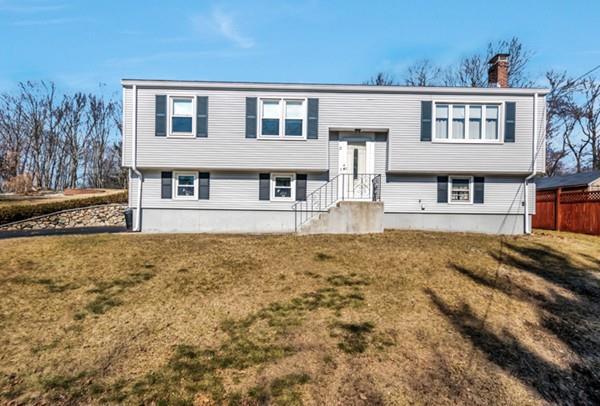 11 Otis St, Woburn, MA 01801 (MLS #72284925) :: Goodrich Residential