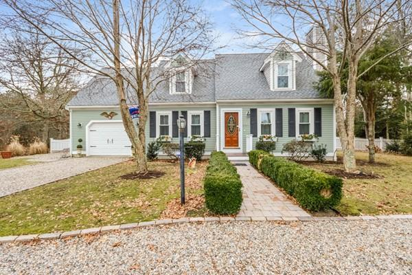 127 Meredith Dr, Falmouth, MA 02536 (MLS #72286359) :: Commonwealth Standard Realty Co.
