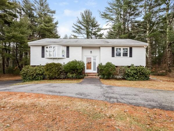 88 Middleboro Rd, Freetown, MA 02717 (MLS #72286513) :: Commonwealth Standard Realty Co.