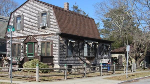 383 Wood Street, New Bedford, MA 02745 (MLS #72287055) :: Westcott Properties