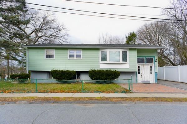 2 Daniel Ct, Boston, MA 02136 (MLS #72288937) :: Westcott Properties