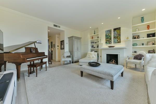 33 Brimmer C, Boston, MA 02108 (MLS #72289767) :: Goodrich Residential