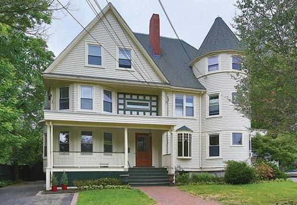140 Church #1, Newton, MA 02458 (MLS #72291781) :: Westcott Properties