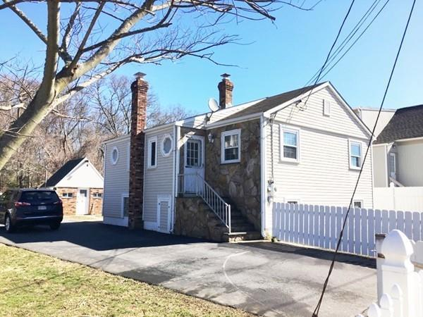 137 Potter St, Dartmouth, MA 02748 (MLS #72292349) :: Welchman Real Estate Group | Keller Williams Luxury International Division