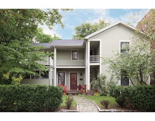141 Walnut St, Brookline, MA 02445 (MLS #72292661) :: Goodrich Residential